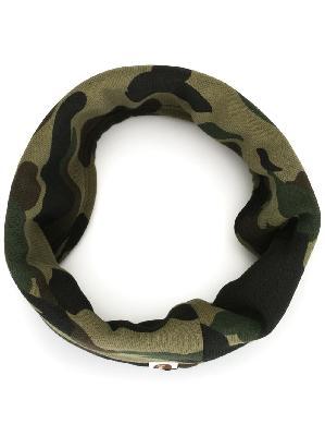 A BATHING APE® camouflage print scarf