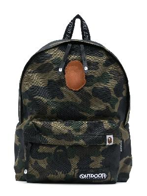 A BATHING APE® camouflage- print backpack