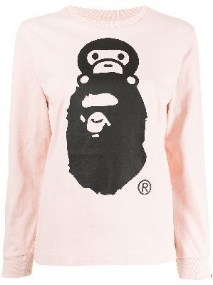 A BATHING APE® logo-print long-sleeved sweatshirt