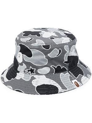 A BATHING APE® camouflage-print bucket hat