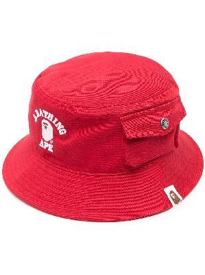 A BATHING APE® logo-print bucket hat