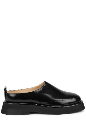 Rosa black glossed leather backless loafers