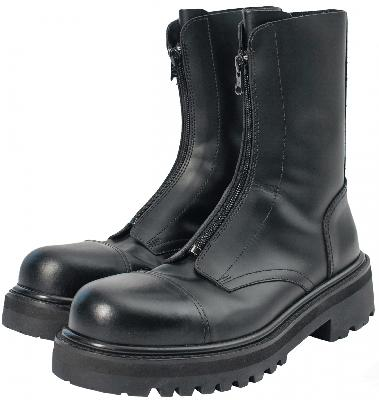Vetements Zipped Leather Boots